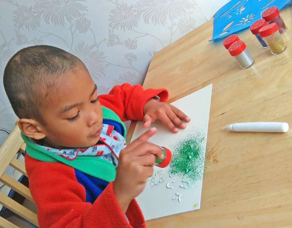 Make Your Own Glittertastic Thank You Cards
