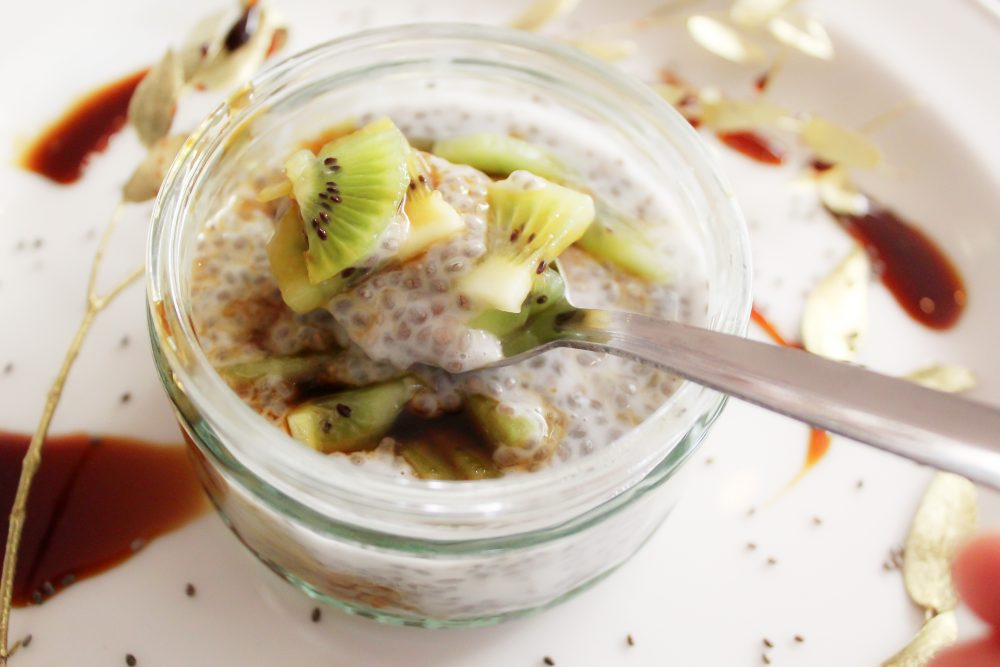 Warm Chai Seeds Pudding with Coconut Milk & Kiwi