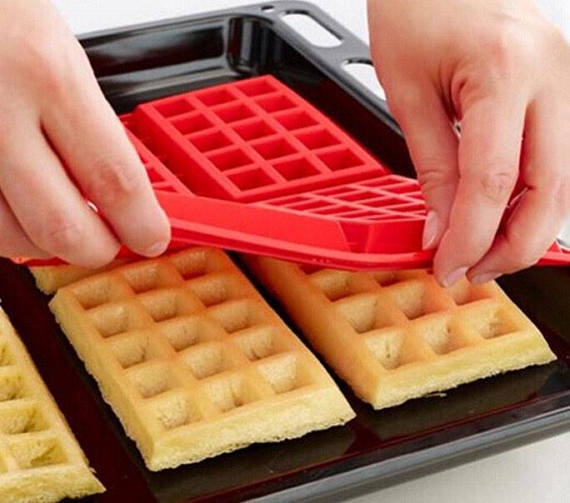 MY TOP 7 WAFFLE MAKERS TO CELEBRATE INTERNATIONAL WAFFLE DAY
